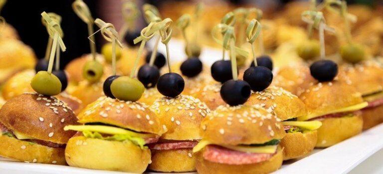 Кетъринг услуги - доставка на храна